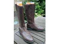 Ladies brown leather boots (size 4)