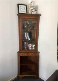 Wooden corner bookshelf for collection
