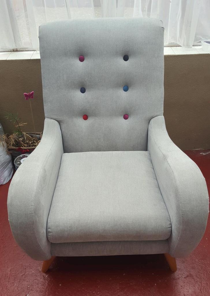 DFS Orbit Arm Chair