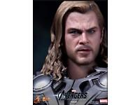 Thor avengers hot toys figure