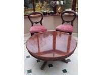 Waring & Gillow - Large Mahogany Coffee table (round)