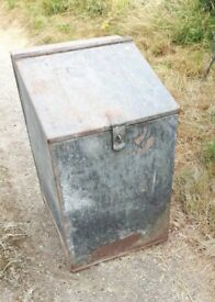 Vintage Galvanised Feed Bin 89.5cm x 54cm x 60cm