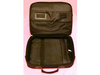 "Strong Well made Laptop Notebook Case (NEWLINK) BLACK Suit 15"" and 17"" Laptops/Notebooks"