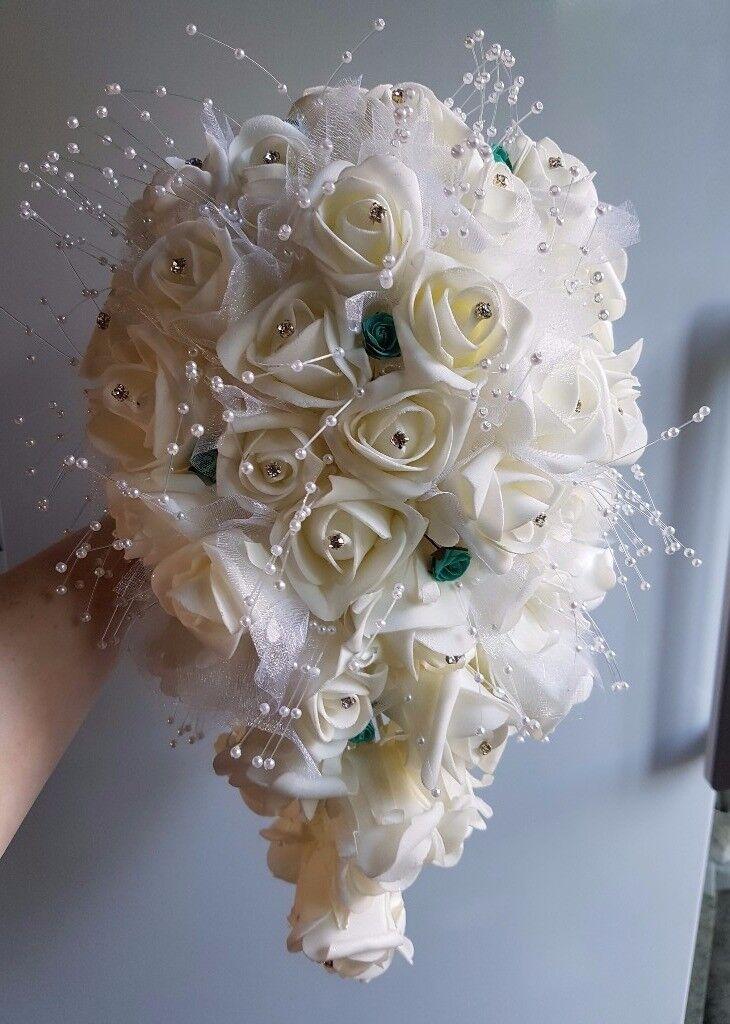 Teardrop Bridal Bouquet 3 Diffe On Hole Flowers Groom Best Man Mob