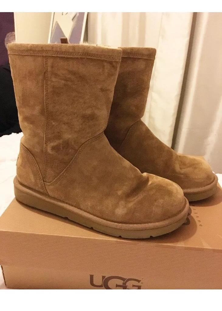 UGG Roslynn boots size 6