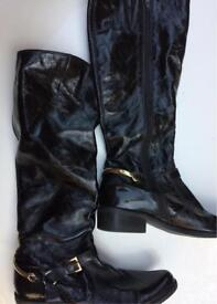Patent black second hand boots size 6