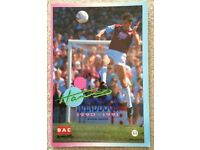 WEST HAM UNITED FC UTD IRONS HAMMERS YEARBOOK 1990-91 PROGRAMME FOOTBALL SOCCER UPTON PARK WHUFC