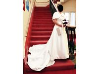 AS Good As New !!Beautiful Wedding Dress with Shrug