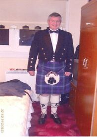 COMPLETE KILT OUTFIT. LOADS OF EXTRAS