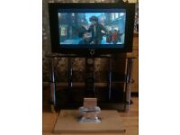 Samsung LE27T51B LCD TV with TV stand, Remote and Wall-bracket