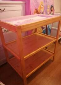 Changing table / changing unit for sale with changing mat **excellent condition**