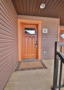 Breahill Townhouse with Garage - October 1!