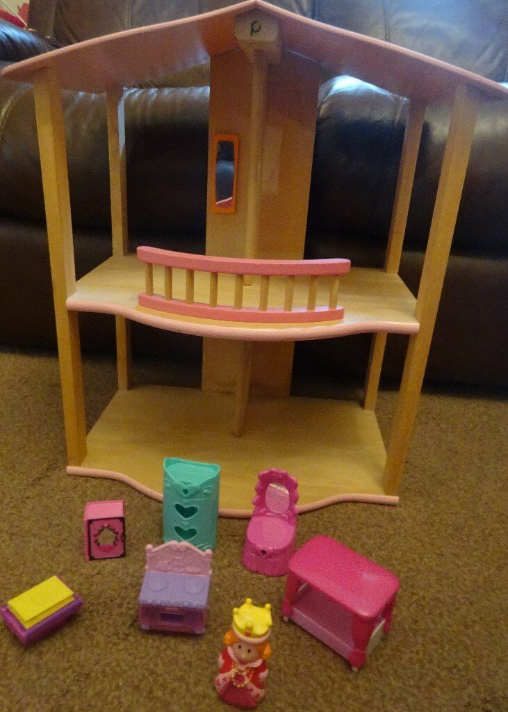 Lovely Princess Wooden Dolls House with Princess Figure and Princess Furniture Only £5 xmas gift