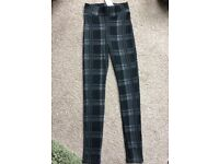 Black and Grey Checkered Leggings / Trousers Size 6