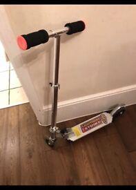 2-Wheel Flashing Scooter