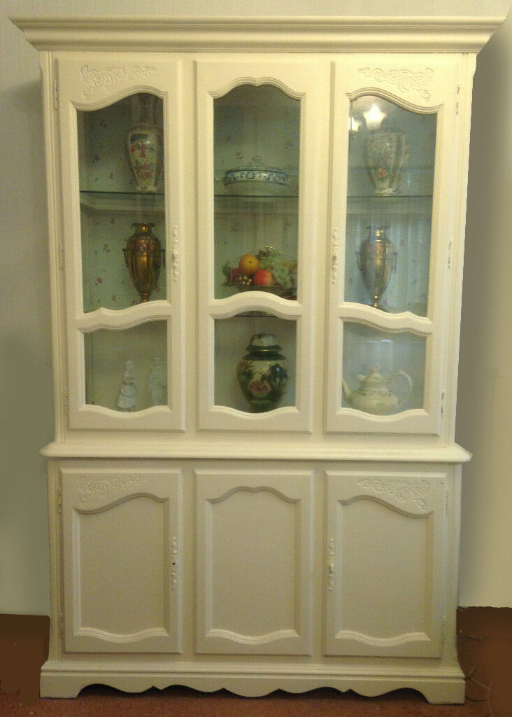 French style painted display cabinet/dresser