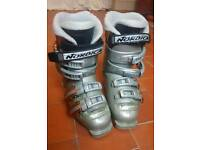 Ski boots (ladies/junior) 235mm (UK 3.5)