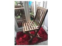 Six foldable wooden garden chairs in great condition