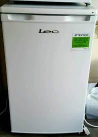 Lec 5010W under counter fridge