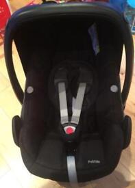 Maxi-Cosi Pebble Baby Car Seat - Black