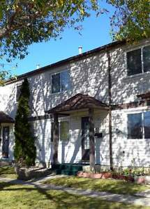 5408-146 Avenue - Free Rent!! Spacious & Bright Townhouse!!