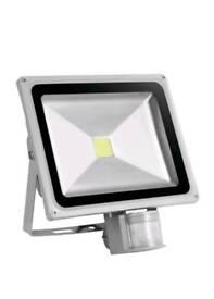 50 watt auto sensor flood light NEW