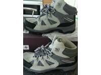 New Mountain Warehouse Rapid Waterproof Women's Walking/ Hiking Boots.Size 4