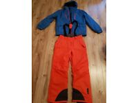 Men's  Ski/snowboard,  winter/snow clothing. Jacket and trousers. Size Large. Great condition.