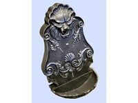 Cast iron hand crafted Garden Lion water feature
