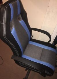 Computer /gamer chair brilliant condition
