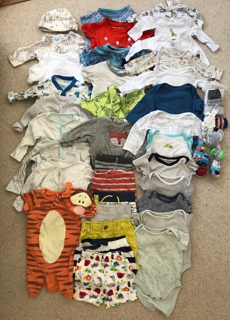 9e90279c4 Baby clothes bundle sizing from newborn - 3 months £10