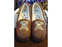 Brand Ladies Teddy Bear Slippers Size 6