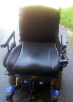 Pride Mobility Quantum Rehab Q6000 Power Wheelchair