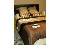 Kingsize bed with memory foam