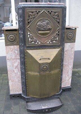 Jugendstil / Art Deco Kaminvorbau / Kaminumrandung Eisen / Messing & Marmor
