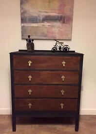 Unique solid fully refurbished chest of drawers in chalk graphite and teak wood varnish finish