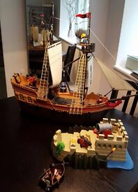 PIRATE LARGE SHIP WITH ISLAND FOR SALE