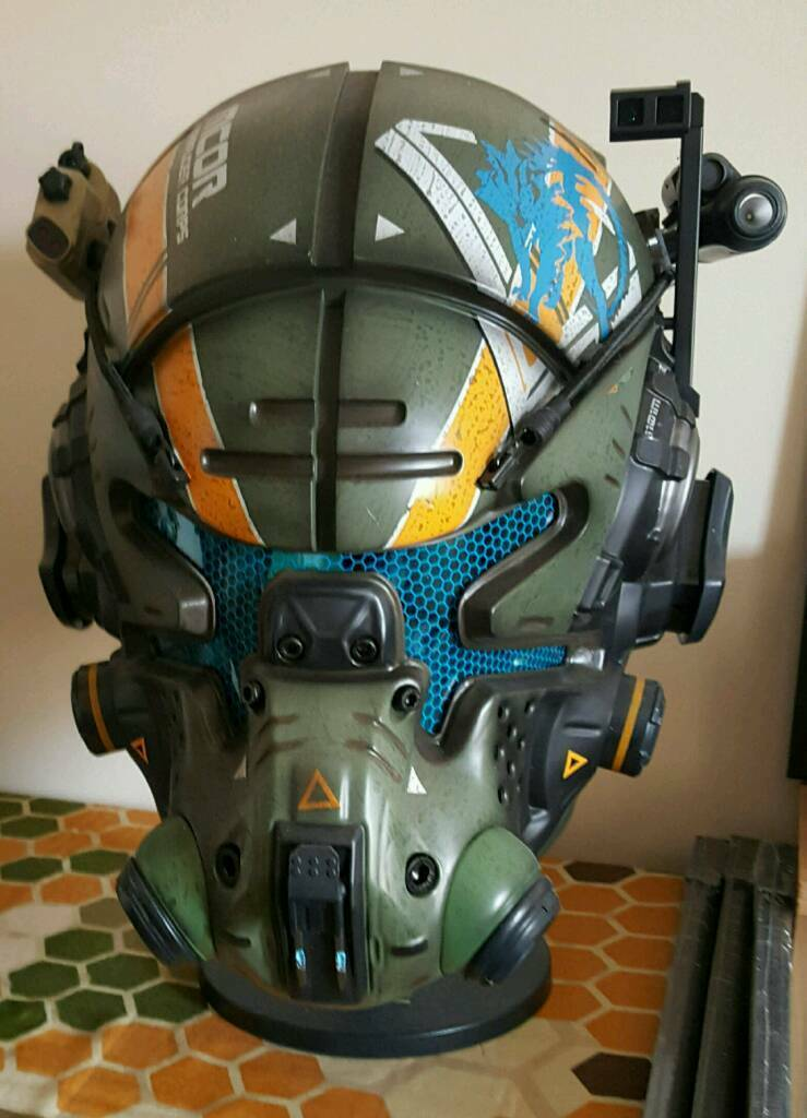 Titanfall 2 Collectors Edition Pilot Helmet and Pilot Bust  : 86 from www.gumtree.com size 739 x 1024 jpeg 78kB