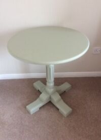 Round Coffee/Occasional Table