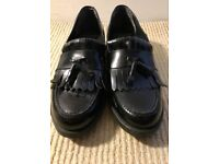 Clarks Black Leather Shoes - Women's UK 5 / EU 38