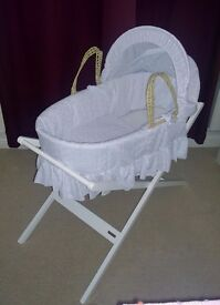 Palm moses basket with white broderie anglaise cover