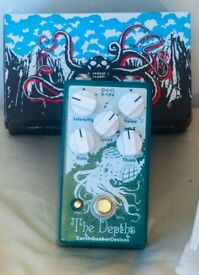The Depths, Guitar Vibe Pedal by Earthquaker