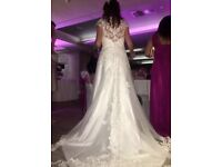 Beautiful Ivory Wedding Dress for Sale only £500