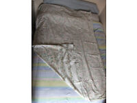 Single bed duvet with 2 covers, mattress covers, pillow cases & 1 valance