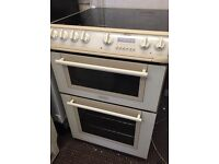HOTPOINT: STANDARD SIZE CERAMIC TOP COOKER