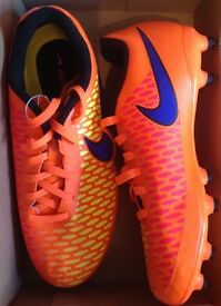NEW AUTHENTIC NIKE FOOTBALL BOOTS