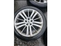Range Rover 20 inch wheels and tyres
