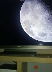 "40"" TOSHIBA TV HD FREE VIEW LCD"