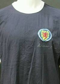 Dennis Law Signed retro Scotland shirt with Coa