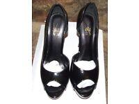 XIXI Black Platform Peep Toe Stiletto Cut Away Side High Heels BNWB